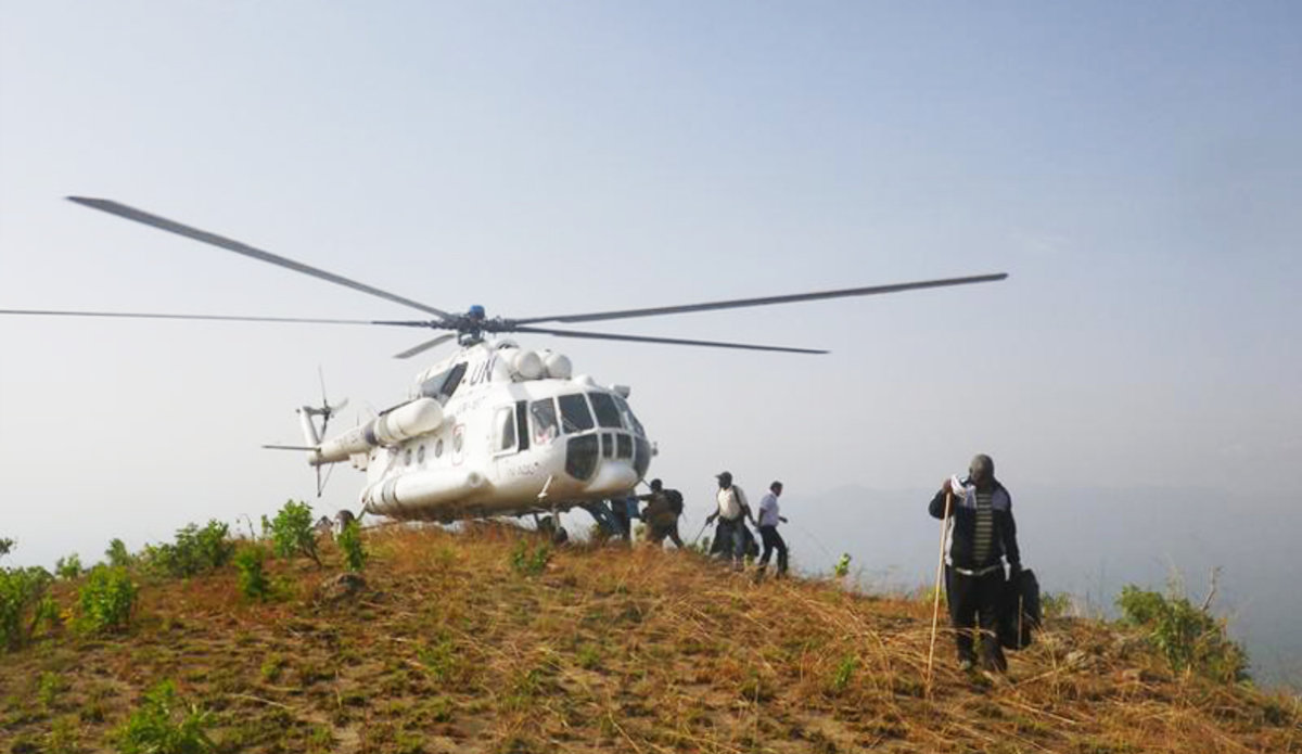 UN Helicopter Support to the CNMC lands on Gotel Mountain (Cameroon/Nigeria), to reach border areas of difficult access. Credit: UN Photo/BARIL