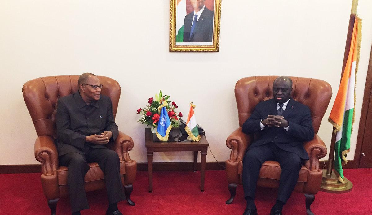 Le SRSG Mohamed Ibn Chambas en discussion avec le Ministre des Affaires Etrangères  de la Côte d'Ivoire, le 19 Juillet 2017 à Abidjan.