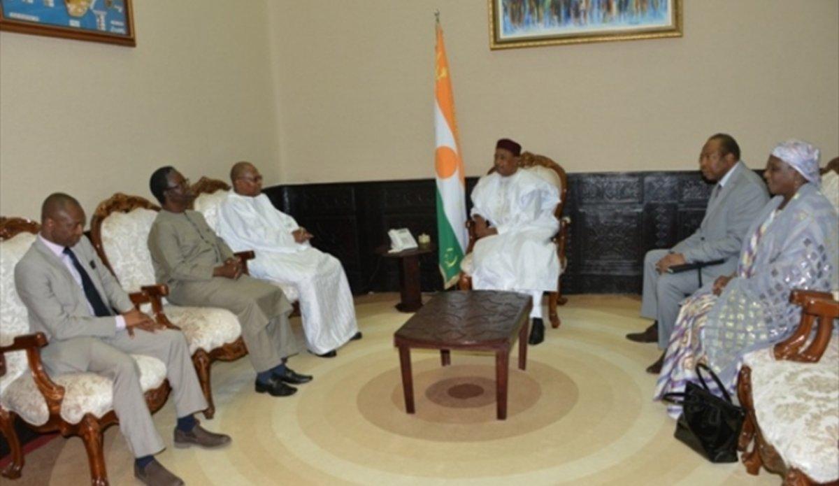 La délégation d'UNOWAS rencontre Le Président du Niger, M. Mahamadou Issoufou à Niger
