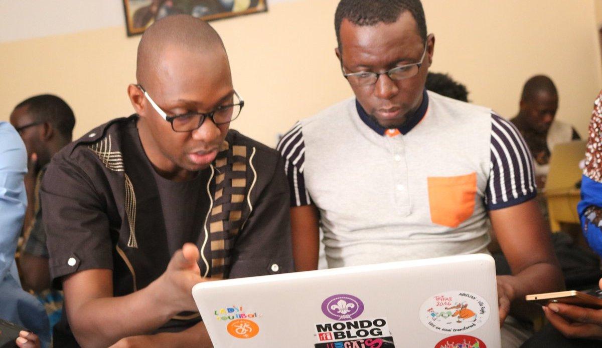 M. Tidjani Togola (à gauche)
