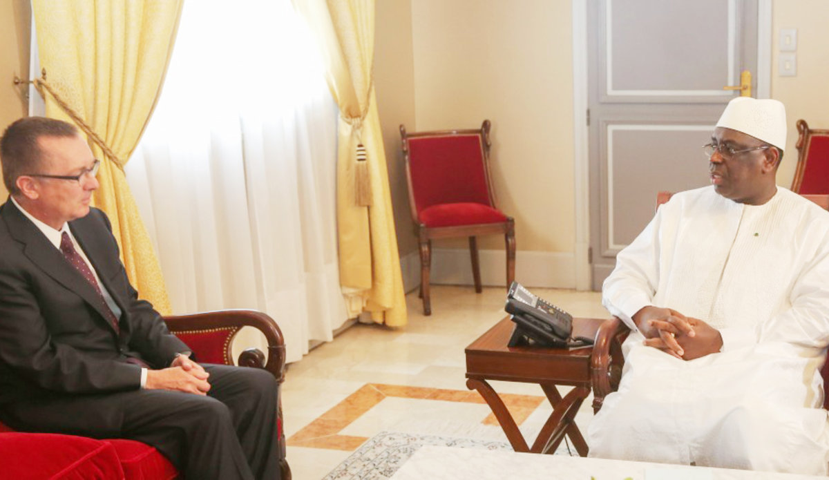 Under-Secretary-General for Political Affairs Jeffrey Feltman meet with the President of Senegal, Mr Macky Sall in Dakar, 25 July 2016