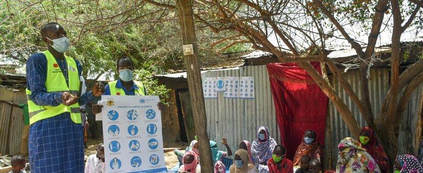 Sensibilisation des communautés du Tchad avec des messages de sécurité de COVID-19. Photo: OMS Afrique